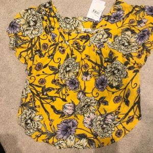 YelloW Floral Women's Short-sleeve Blouse NWT